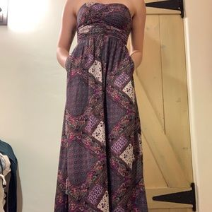 Maxi dress with pockets!